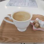 リリーズ - 料理写真:ホットコーヒー