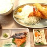 えびせい - お得エビフライ定食刺身付(1500円)
