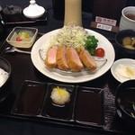 咲咲亭 - 料理写真:手延べヒレかつ定食