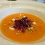 ラルテ沢藤 - 冷製トマトのスープ、ぶどうのジュレ、リコッタチーズ、オレガノ、オリーブオイル