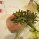 ラルテ沢藤 - 美桜鶏のもも肉でハツとレバーを巻いて低温調理