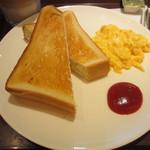 サンドイッチカフェ リール - トースト、スクランブルエッグ