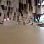 廚菓子くろぎ - テラス席の様子1