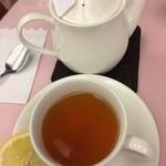 カフェ・ラサール - フレンチカステラセットの紅茶