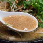 湖陽樹 - 2-4)湖陽樹式担々麺・新味のスープアップ