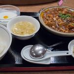 湖陽樹 - 3-1)麻婆豆腐定食(800円)