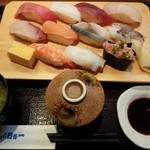魚がし日本一 - 特盛にぎり 980円