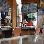三宅食堂 - 年季の入った椅子・鉄板 三宅食堂 2014/9/6