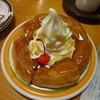 コメダ珈琲店 - 料理写真:シロノワール(シロップ掛けたところ)