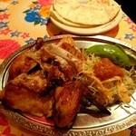 墨国回転鶏料理 - 墨国回転鶏 半羽918円