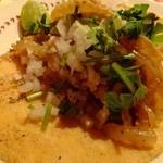 墨国回転鶏料理 - タコス鶏肉:410円