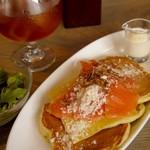 30469307 - Sweet Pancake Lunch