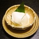 Takenawa - ざる豆腐竹塩につけて 380円
