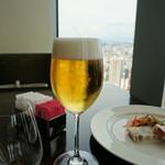 レストラン シンフォニー - 生ビールは、ジョッキがしっくりくる・・(;´∀`)