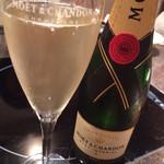 舞桜 - ドリンク写真:シャンパン