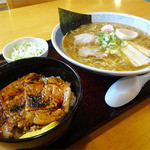 めん吉 - 料理写真:2014.07_ミニ豚丼ラーメンセット(980円)