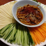千里香 - 京酱肉丝(味噌豚肉細切と野菜):1,300円