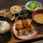 30477519 - 若鶏の唐揚げ定食≪十穀米or玄米≫(\850、2014年8月)