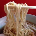 華門 - ラーメンの麺はこんな感じです。