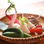 九州居酒屋 一丁目一番地 - 自家製鶏味噌と生野菜