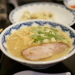 博多麺房 赤のれん - ラーメン