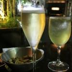 sacra - シャンパンとサングリア白