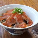 ホテル若月 - 料理写真:信州サーモン丼です!
