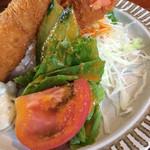 レストラン美濃 - エビフライのサラダ