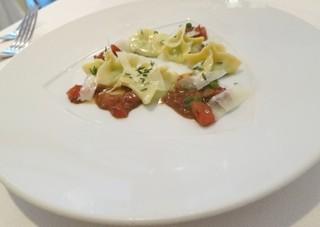 biodinamico - (Pasta Fresca)グリーンピース・ファルゴティーニ・サルサ・プロシュート☆