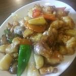 東方 - エビと鶏肉のナッツ炒め~♪