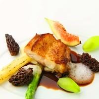 カサブランカ・フランセーズ - 明石鯛のムニエル ミスティアとオレンジフラワーのソース