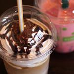 CafE`s-Kitchen LinkS - お持ち帰り(クッキークリームラテ、タピオカドリンクのイチゴ味)