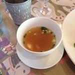 サムロータイレストラン&カフェ - ランチ スープ