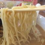 玉五郎 - 中細縮れ麺