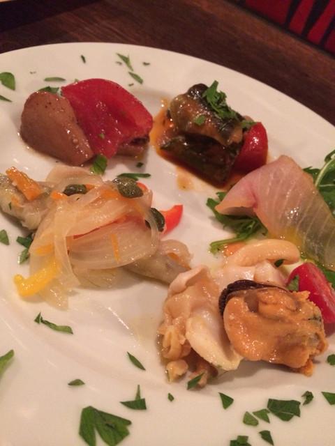 BUCA - 前菜盛り合わせ:カポナータ・キノコのバルサミコノマリネ・ツブ貝のマリネ・ワカサギのエスカベージュ・カジキマグロの自家製エスカベージュ