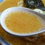 三平ラーメン - 2014.08_味噌ラーメン(650円)スープ