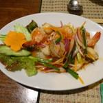 マイタイ - サラダ…シーフードのスパイシーなサラダ