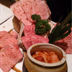 30502540 - 霜降り肉の盛り合わせ