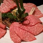 30502541 - 霜降り肉の盛り合わせ