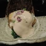 日本料理 晴山 - イチジク・粟麩・春菊の胡麻和え