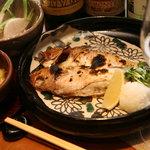 やけぼっくい - 甲州ワインとも相性の良い炙り魚。