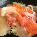 30517341 - 地魚海鮮丼2200円