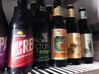 ブルックリンダイナー - 常時30種類以上のビールを取り揃えています。