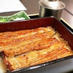 割烹蒲焼八十八 - 真ん中の鰻重