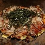 萬 - 定番の豚玉、ふっくら柔らかく美味