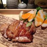 熟成焼鳥 居酒屋 かまどか - 熟成鶏の一枚焼き