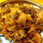 ラーメン かい - 辛子高菜はセルフコーナーで小皿に取ります。