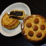30529984 - 黒麻小月餅&伍仁百菓小月餅・各230円 14年9