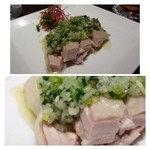 Tono - 蒸し鶏(小:1180円)・・胡麻ソースかネギソースを選べます。 ネギソースを選択。身も暑く美味しい鶏です。ネギソースもサッパリした味わいで美味しい、