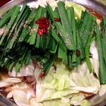 30531159 - もつ鍋 (醤油)